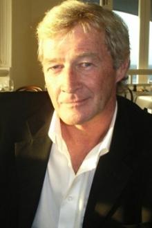 Robert Perth